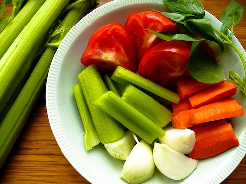 Продукти за зеленчуковия бульон