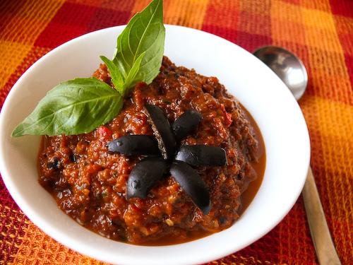Пастет от сушени домати и маслини