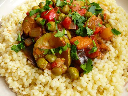 Вегетариански кус кус със зеленчуци