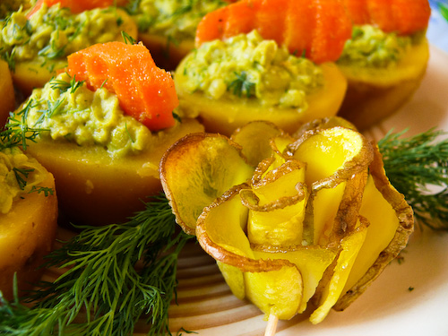 Картофени кошнички с пастет от грах и ароматни моркови