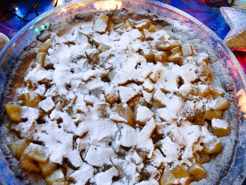 Постен тарт с ябълки и дюли