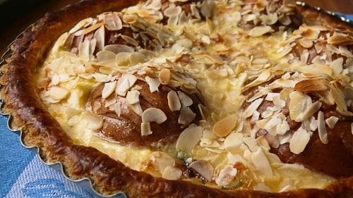 Тарт с круши и синьо сирене