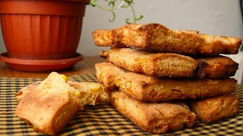 Царевични крекери