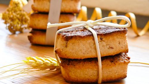 Бисквити с фурми и кокос