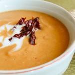 Крем супа от червена леща с кокосово мляко, джинджифил и сушени домати