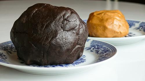 Шоколадово и фъстъчено тесто