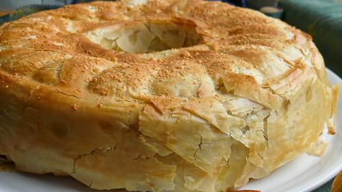 Солен пролетен кейк с тестени кори