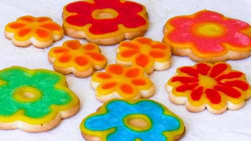 Захарни цветя и пеперуди