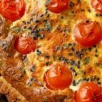 Тарт със сирена, чери домати и нигела