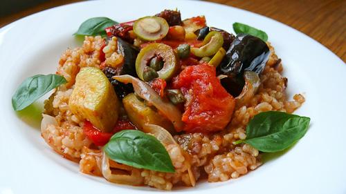 Кафяв ориз със зеленчуци по провансалски