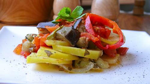 Брям – гръцки зеленчуков гювеч