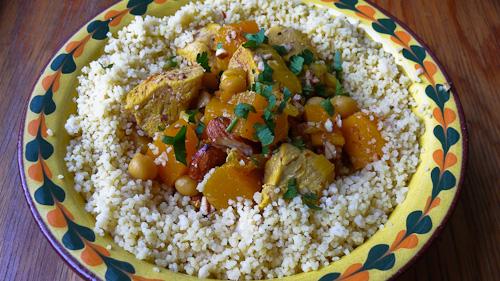 Марокански кус кус с пиле, тиква и бадеми