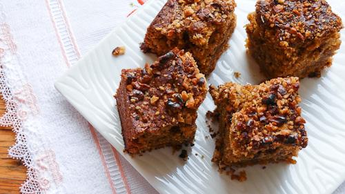 Постен кейк с тиква, орехи и кленов сироп