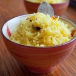 Шафранов ориз с кардамон и дафинов лист