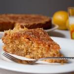 SOS – Лимонов кейк с бадеми и полента