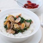SOS – Африка вика Кулинарно – Задушени миди с фъстъци, спанак и ориз