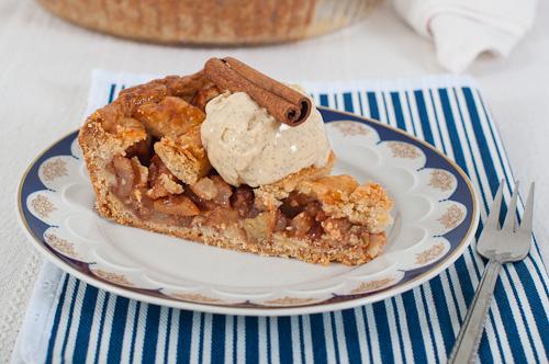 Холандски ябълков пай и ванилов сладолед