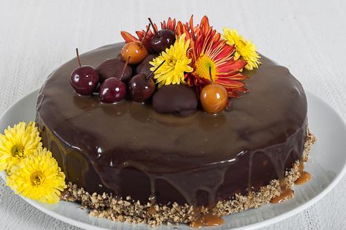 Шоколадово-орехова торта с кестенов крем и карамел