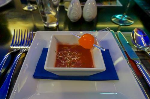 Крем супа от червено цвекло със сметана, чипс от целина и Absolut желиран бонбон от морков