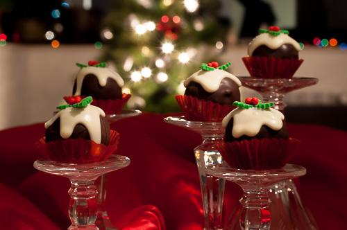 Шоколадови бонбони със сушени плодове и орехи