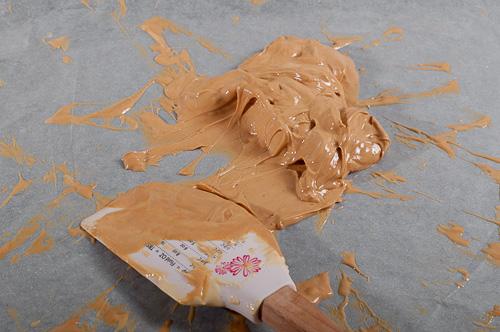 Готовият шоколад се събира