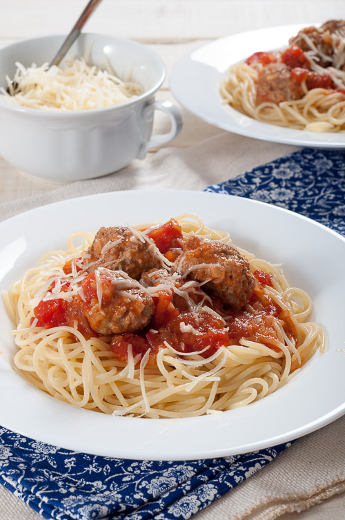 Спагети с кюфтенца