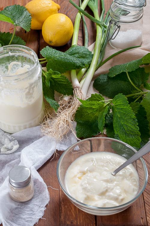 Продукти за млечния сос с маточина