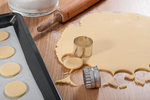 Изрязване на бисквитите