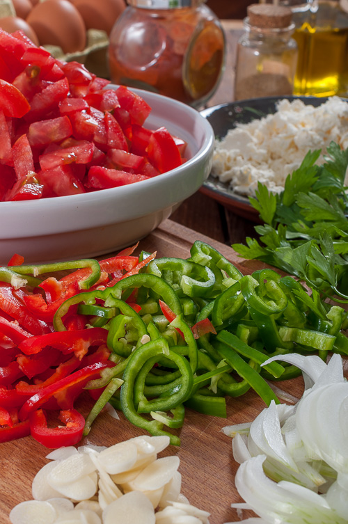 Нарязани зеленчуци за шакшука