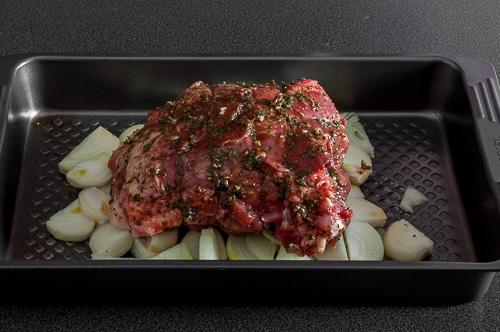 Подготвеното месо за печене