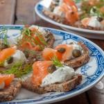 Два начина за приготвяне на гравлакс (маринована сьомга) и многозърнест ръжен хляб