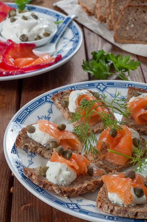 Гравлакс и многозърнест ръжен хляб