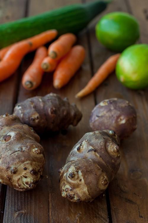 Земна ябълка, лайм, моркови, краставица