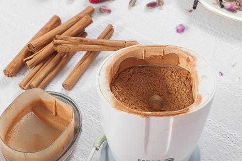 Смляна в кафемелачка цейлонска канела