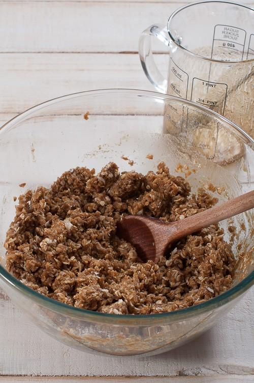 Омесване на тестото за бисквитите