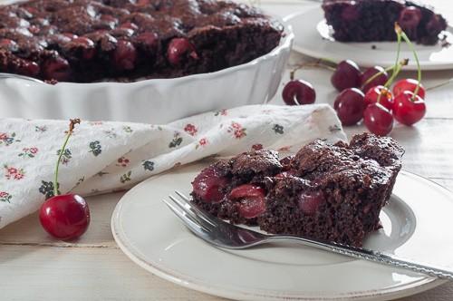 Лесен шоколадов сладкиш с череши
