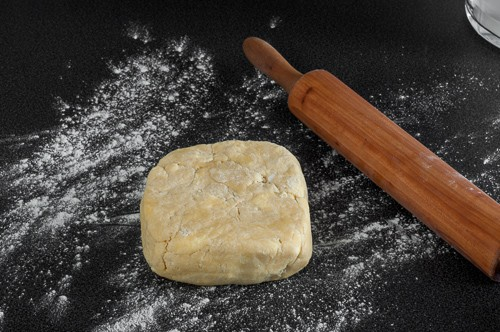 Охладеното тесто преди да се разточи