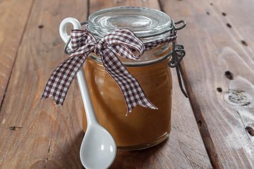 Как да си направя лесен карамелен сос