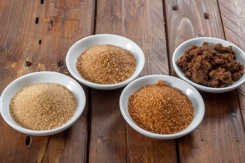 4 различни вида кафява захар