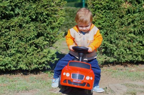 Даниел и неговата любима кола