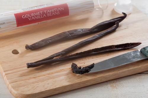 Остъргани семенца от таитянска ванилова шушулка