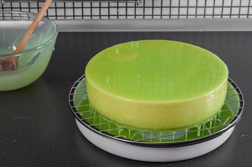 Залятата торта с глазурата