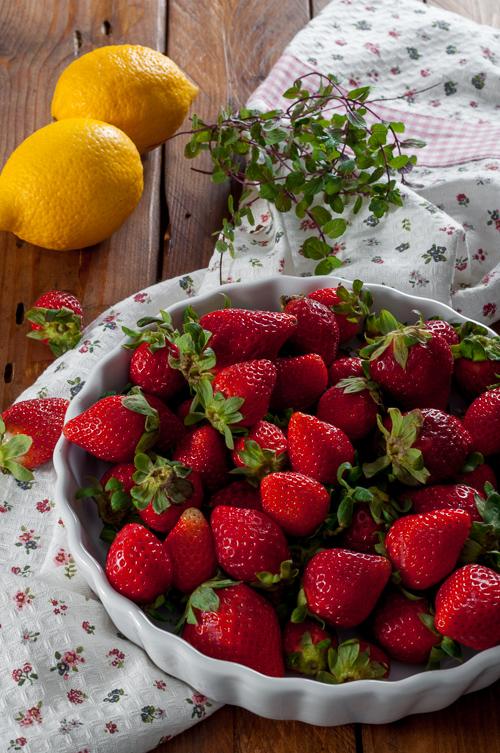 Ягоди, мента и лимони