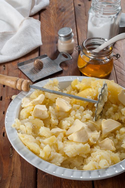Намачкани картофи с масло и мед