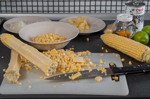 Изрязване на зърната на царевицата