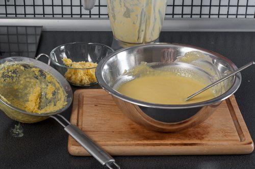 Прецедената супа се овкусява и се охлажда