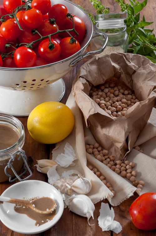 Продукти за хумуса с печени домати