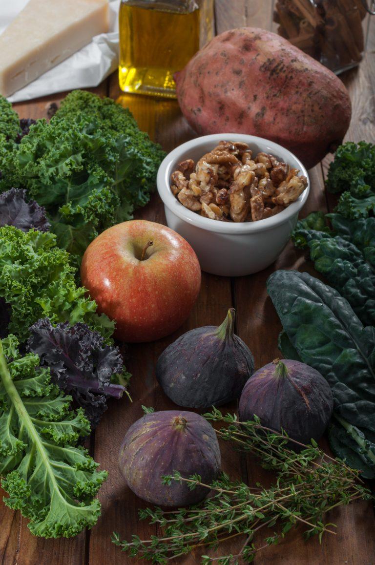 Продукти за топла есенна салата с кейл