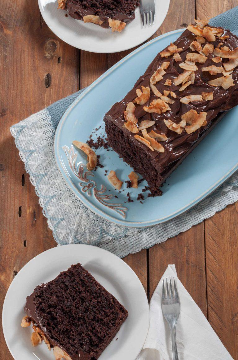 Двойно шоколадов кейк с глазура