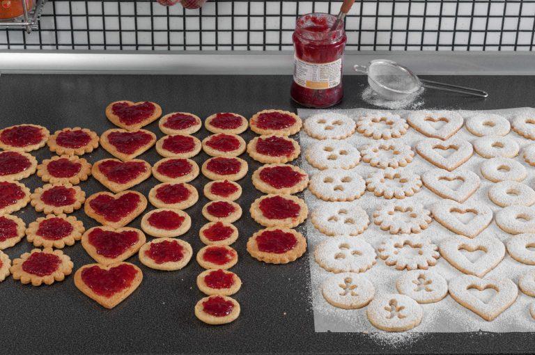 Подготвените за слепване бисквити